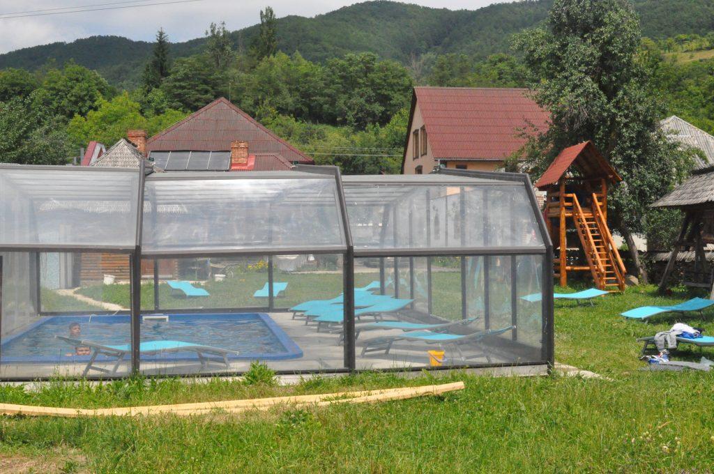 pensiune-piscina-maramures